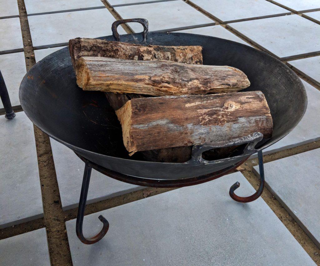 Cast iron fire pit bowls
