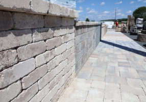 TREMRON Pavers Wall